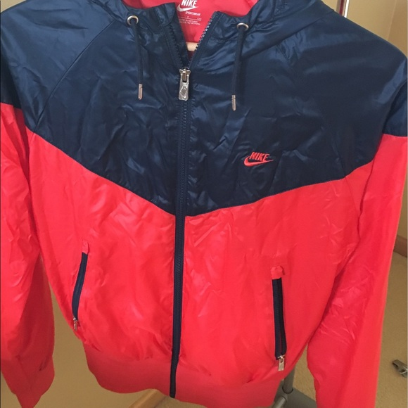 905353646737 Nike Windrunner Jacket. M 5b69fea104ef50e1412c8a91